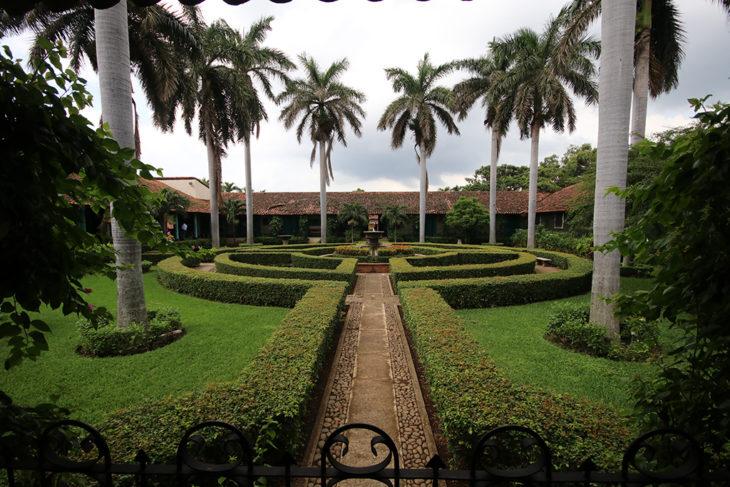 Jardines del hotel El Convento